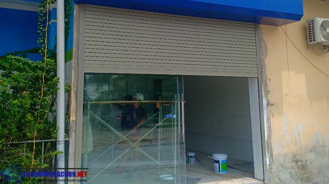 Thi công cửa cuốn cửa hàng Giấc Mơ Sữa Việt